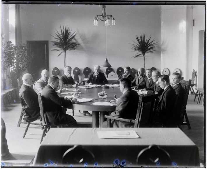 Balti riikide ja Soome esindajate konverents Tartus Eesti Üliõpilaste Seltsi majas, 01.10.1919. Foto: Rahvusarhiiv