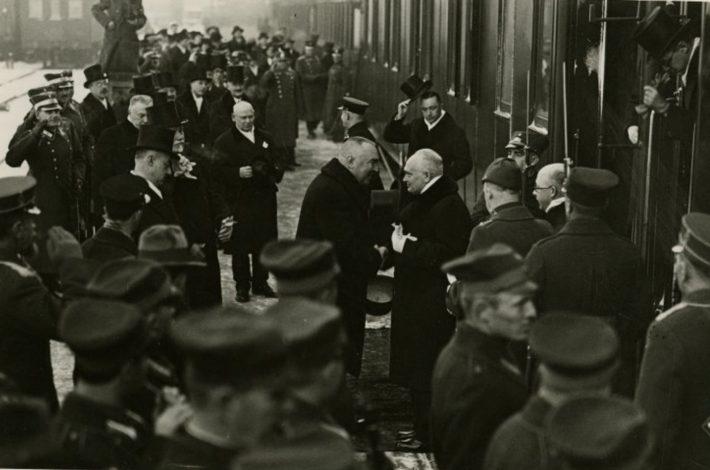 Konstantin Pätsi riigivisiit Lätti 1933. aastal. Foto: Rahvusarhiiv