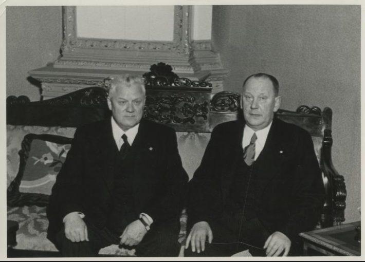 Läti president Kārlis Ulmanis (vasakul) ja Hans Rebane 1940. aastal. Foto: Rahvusarhiiv
