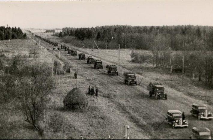 Punaarmee sõdurid ületamas Eesti piiri 1939. aastal. Foto: Rahvusarhiiv